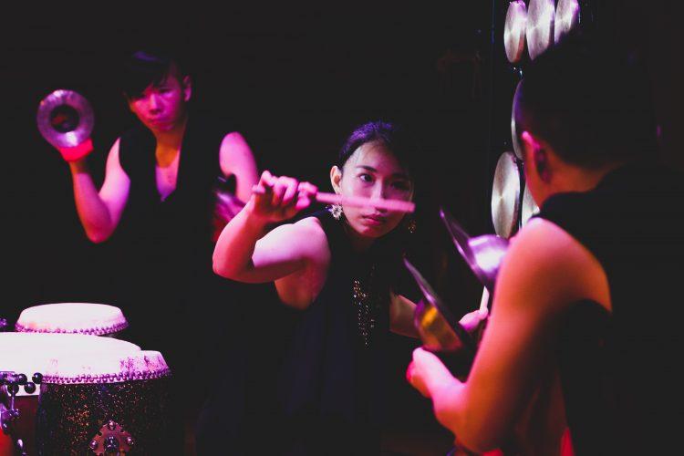 擊樂劇場─罪大惡擊(DRUMILY擊樂團提供/攝影許博彥)